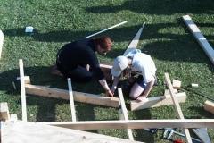 17-07-99_19-26-12 Katja und Almuth beim Bau der deutschen Pl
